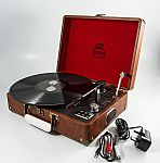 GPO ATTACHÉ - Suitcase Record Player